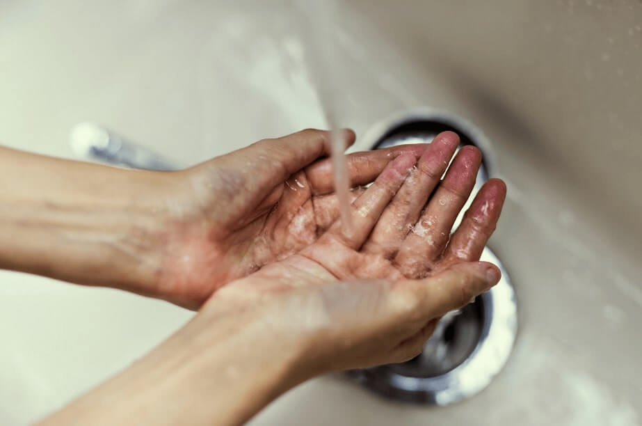 woman-washing-hands