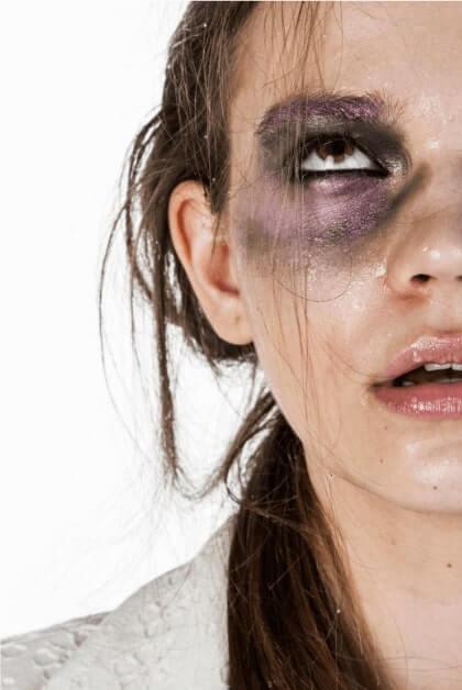 extreme-depressed-woman